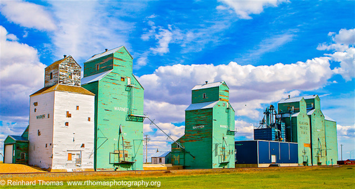 Grain elevators Warner, AB by Reinhard Thomas ©
